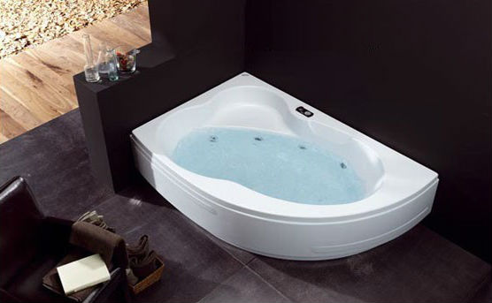 Bañera de hidromasaje angular